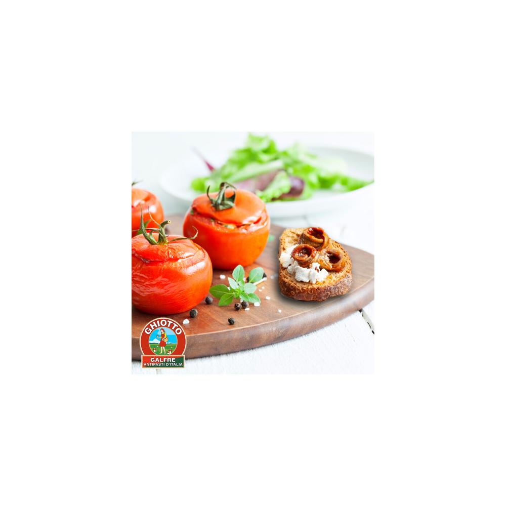 Pomodori ripieni con uova e alici in salsa